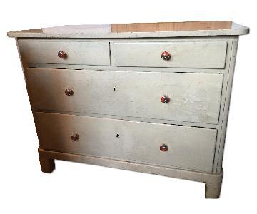Vintage four-drawer dresser