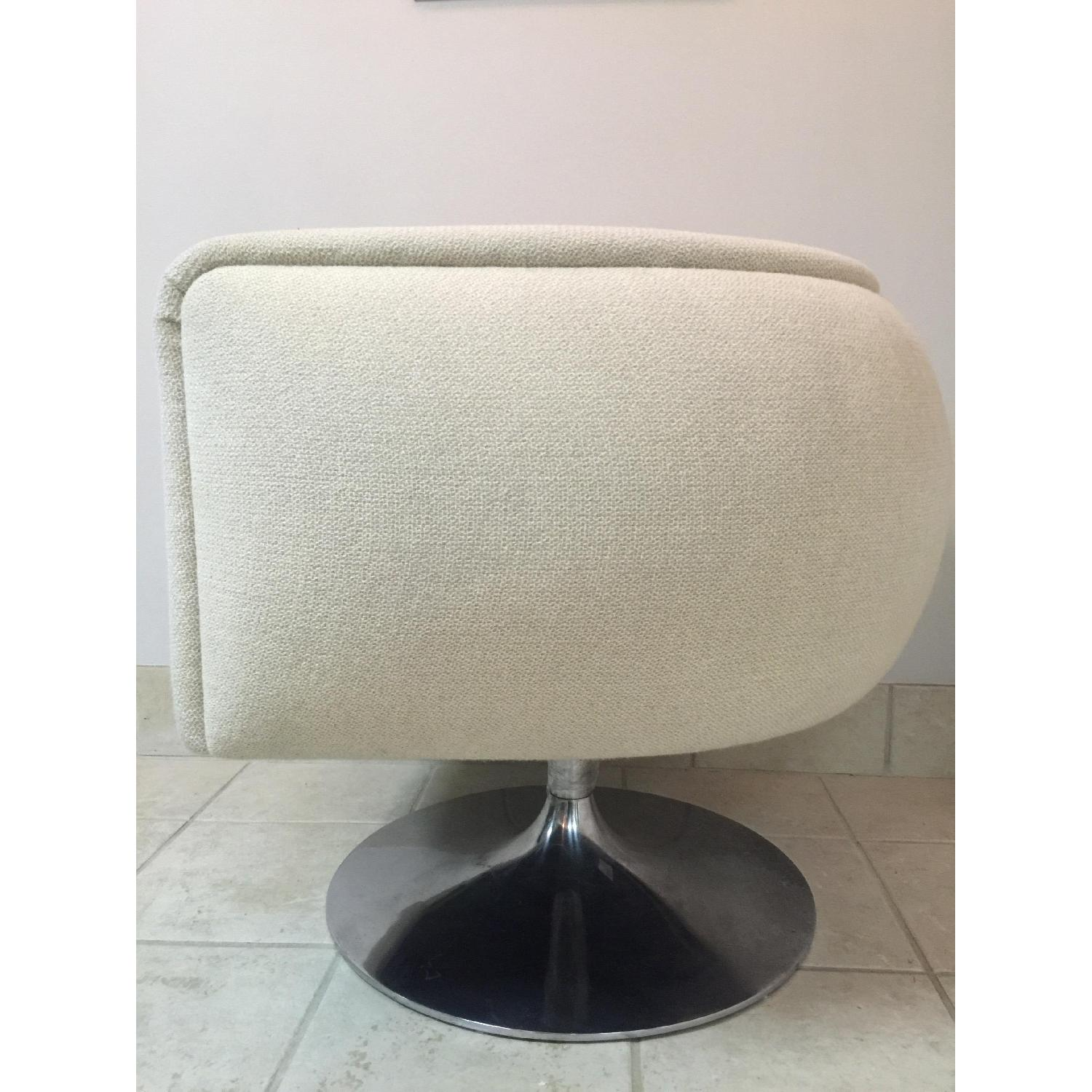 Knoll D'Urso Swivel Lounge Chair - 2 Available - image-3