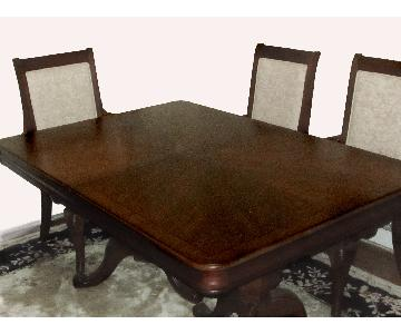 Raymour & Flanigan Mahogany Dining Table w/ 6 Chairs