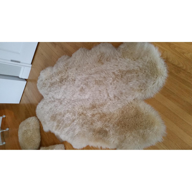 Sheepskin Rug + 2 Pillows - image-2
