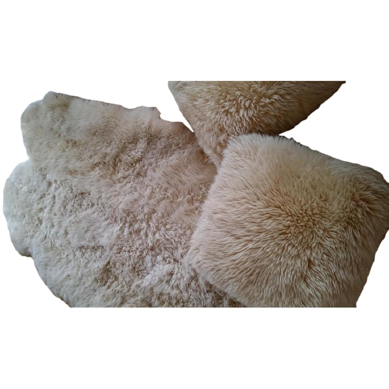 Sheepskin Rug + 2 Pillows - image-0
