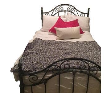 Full Size Bed w/ Headboard & Foot Board