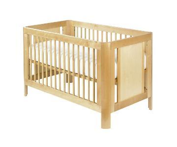 Giggle Harper Crib w/ Toddler Bed Converter