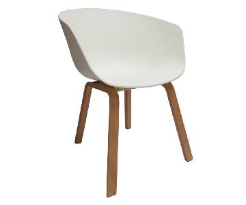 Retro Style Dining Chair w/ White PP Shell & Beechwood Legs