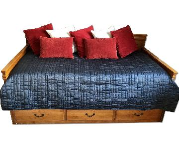 Solid Wood Bed Daybed w/ Trundle