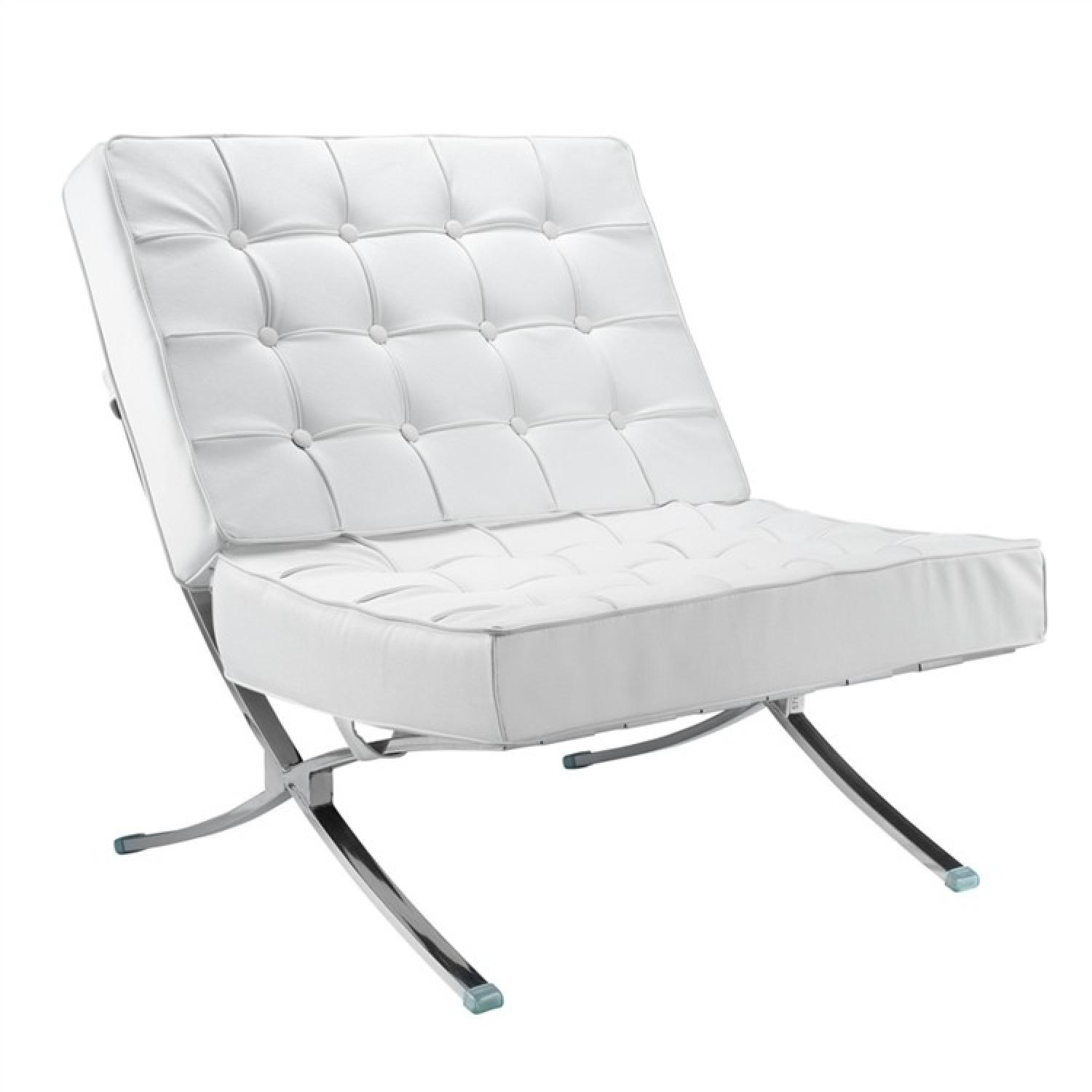 Classic Mid-Century Style Accent Chair in White Leather