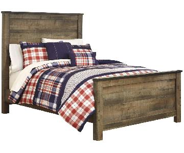 Ashley Trinell Full Panel Bed in Warm Rustic Oak