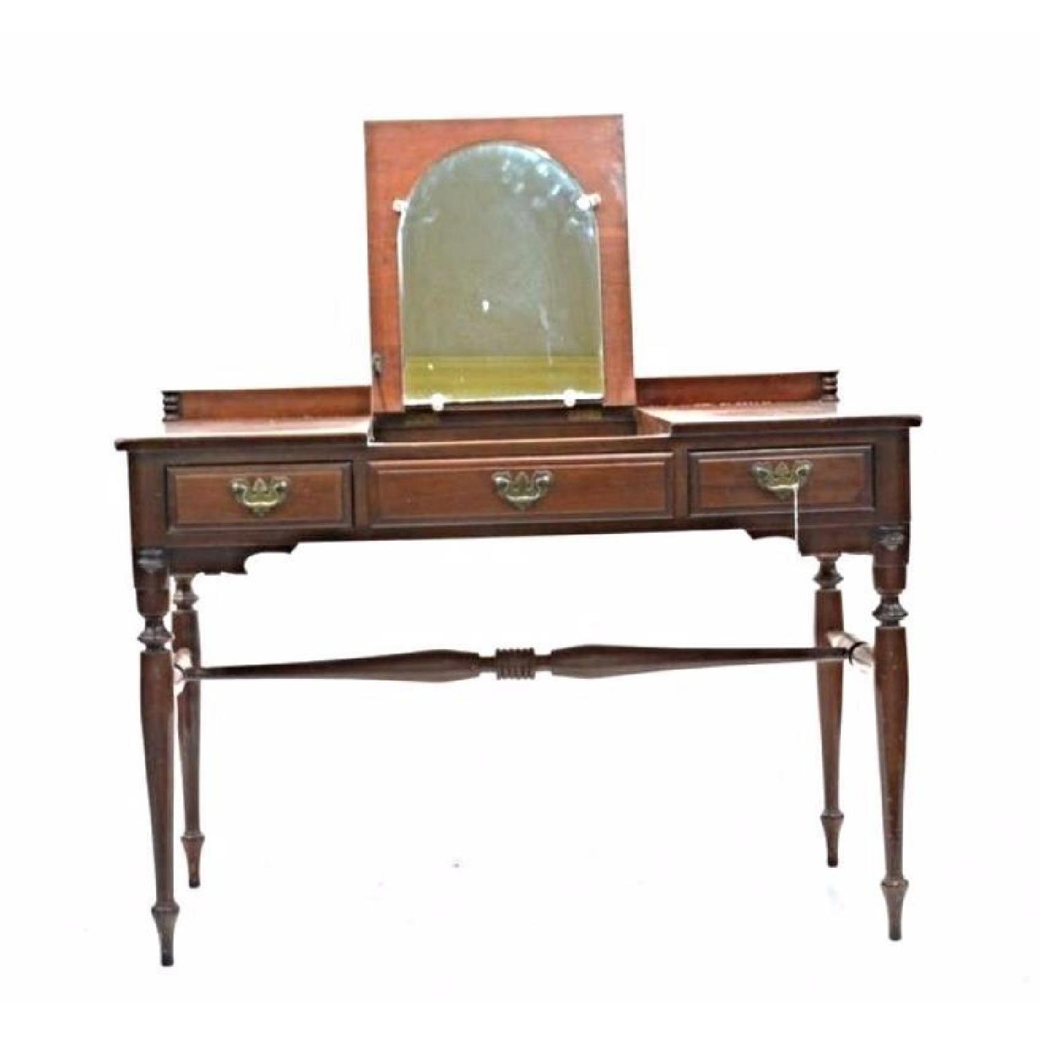 Monitor Furniture Cherry Chippendale Poudre Table