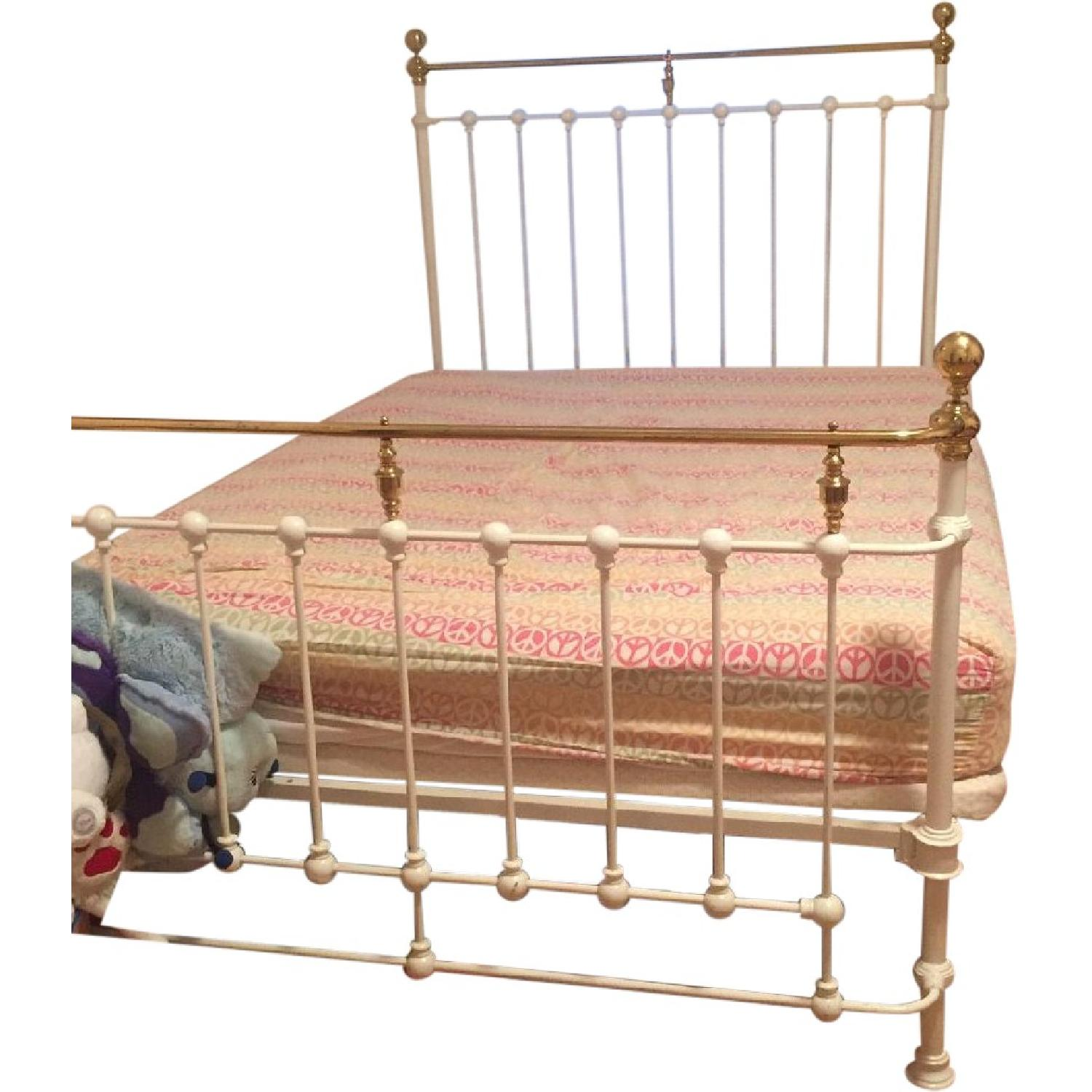 Wrought Iron Queen Size Bed Frame Aptdeco