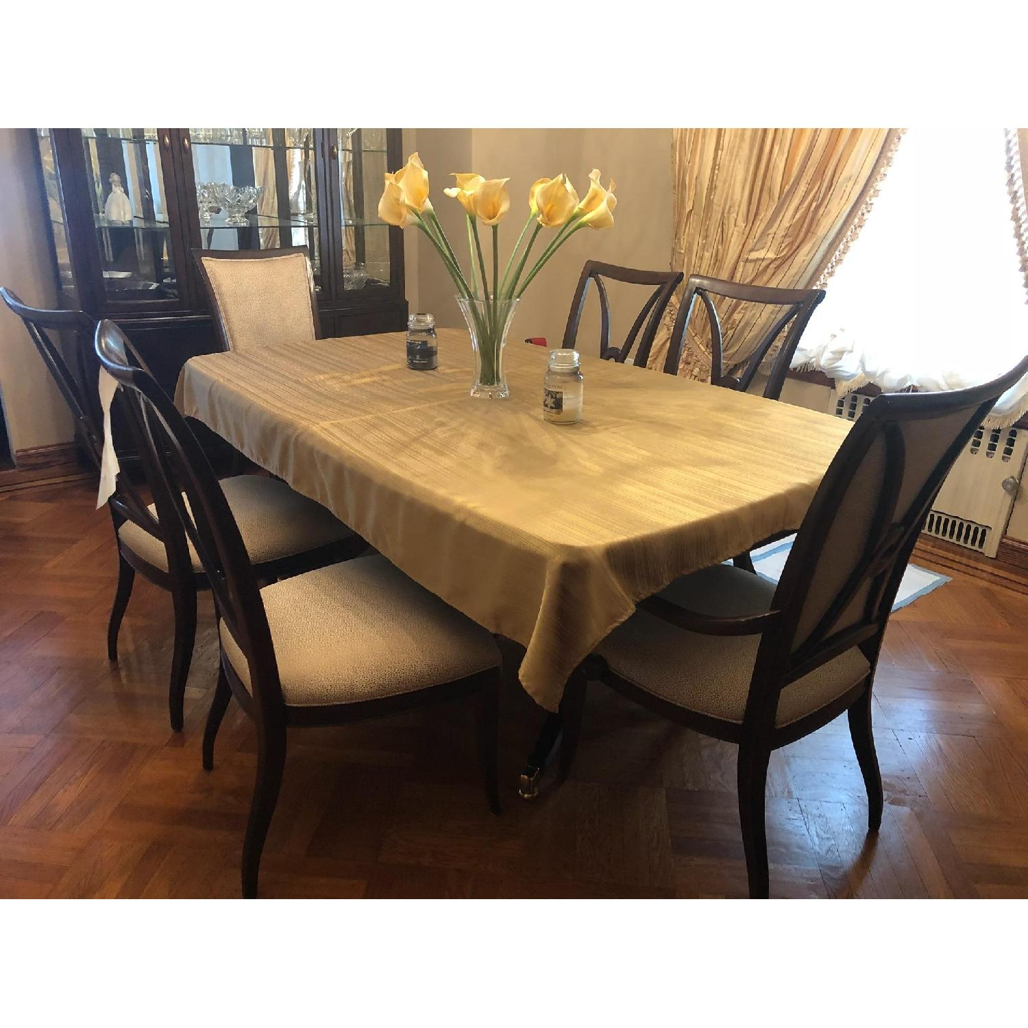 Thomasville Furniture Denver: Thomasville Solid Wood Dining Room Table W/ 6 Chairs