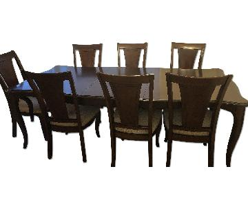 Raymour & Flanigan Expandable Dining Table w/ 8 Chairs