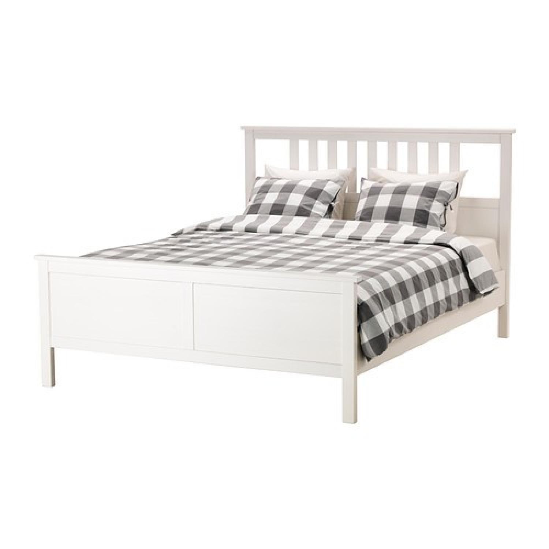 Picture of: Ikea Hemnes White Queen Bed Frame Aptdeco