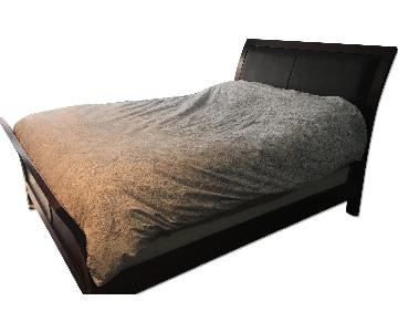 Raymour & Flanigan Queen Size Sleigh Bed