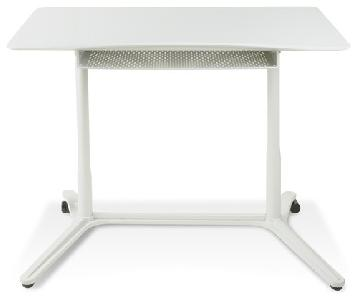 200 Series Adjustable Height Desk in White