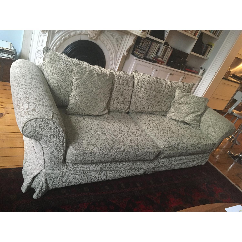 shabby chic sage green slipcovered sofa aptdeco. Black Bedroom Furniture Sets. Home Design Ideas