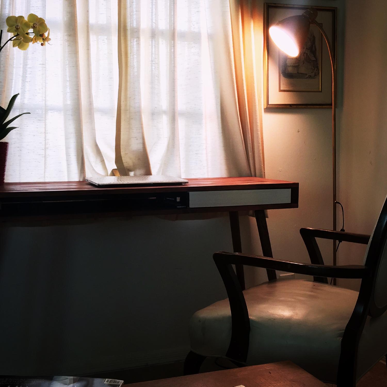 Image of: Mid Century Modern Hand Built Desk Aptdeco