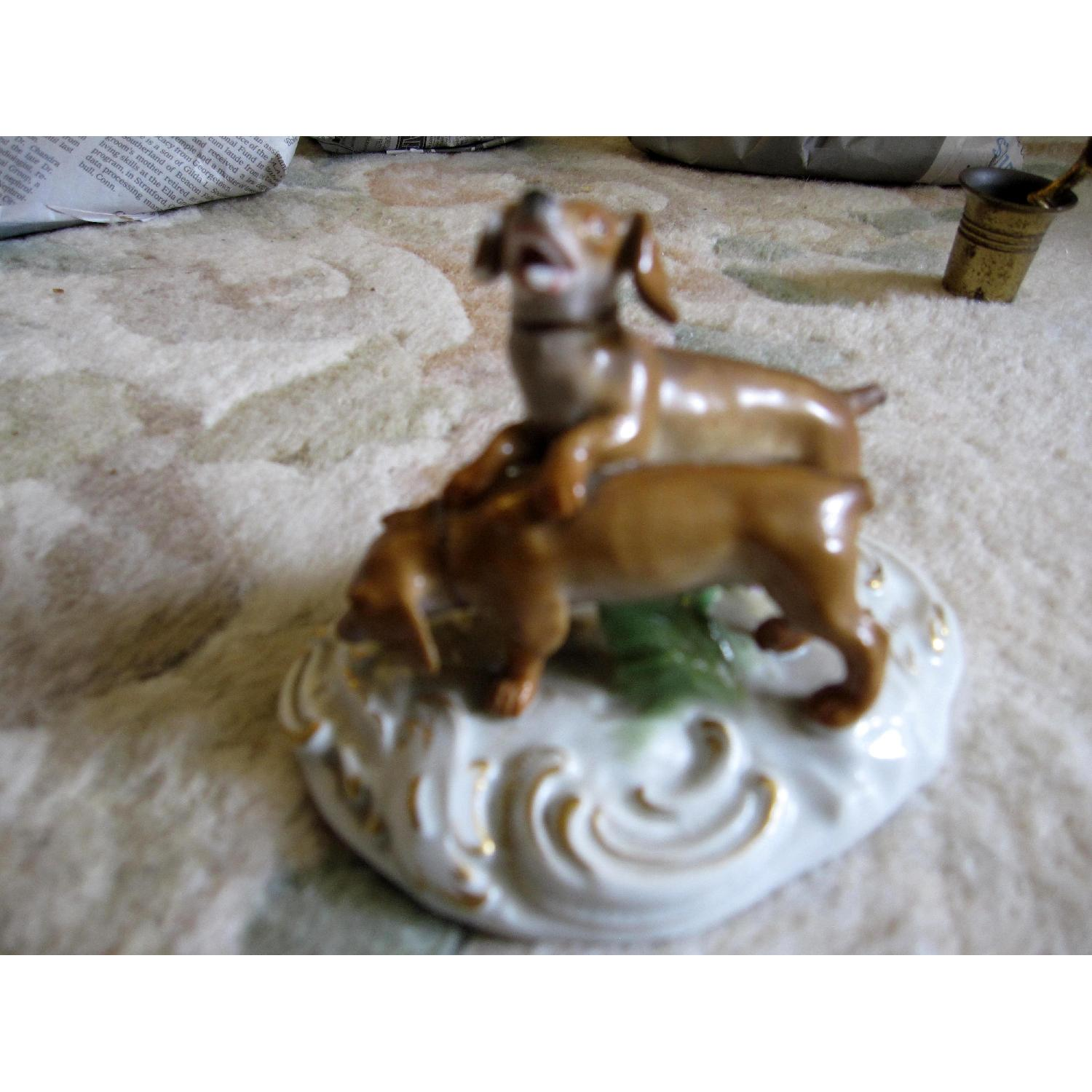 Meissen Figurine of 2 Dogs - image-4