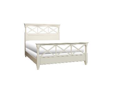 Raymour & Flanigan Retreat Queen Panel Bed