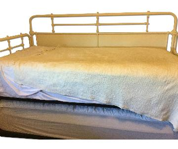 Weinstein Twin Metal Daybed w/ Trundle