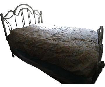 Wesley Allen Marlow Queen Iron Bed Frame