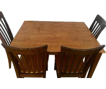 Raymour & Flanigan Dining Table w/ 4 Chairs