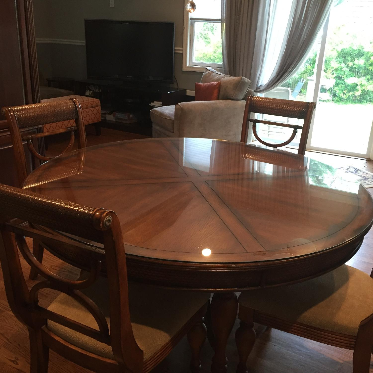 Dining Room Glass Top Round Table w/ 6 Chairs - image-1