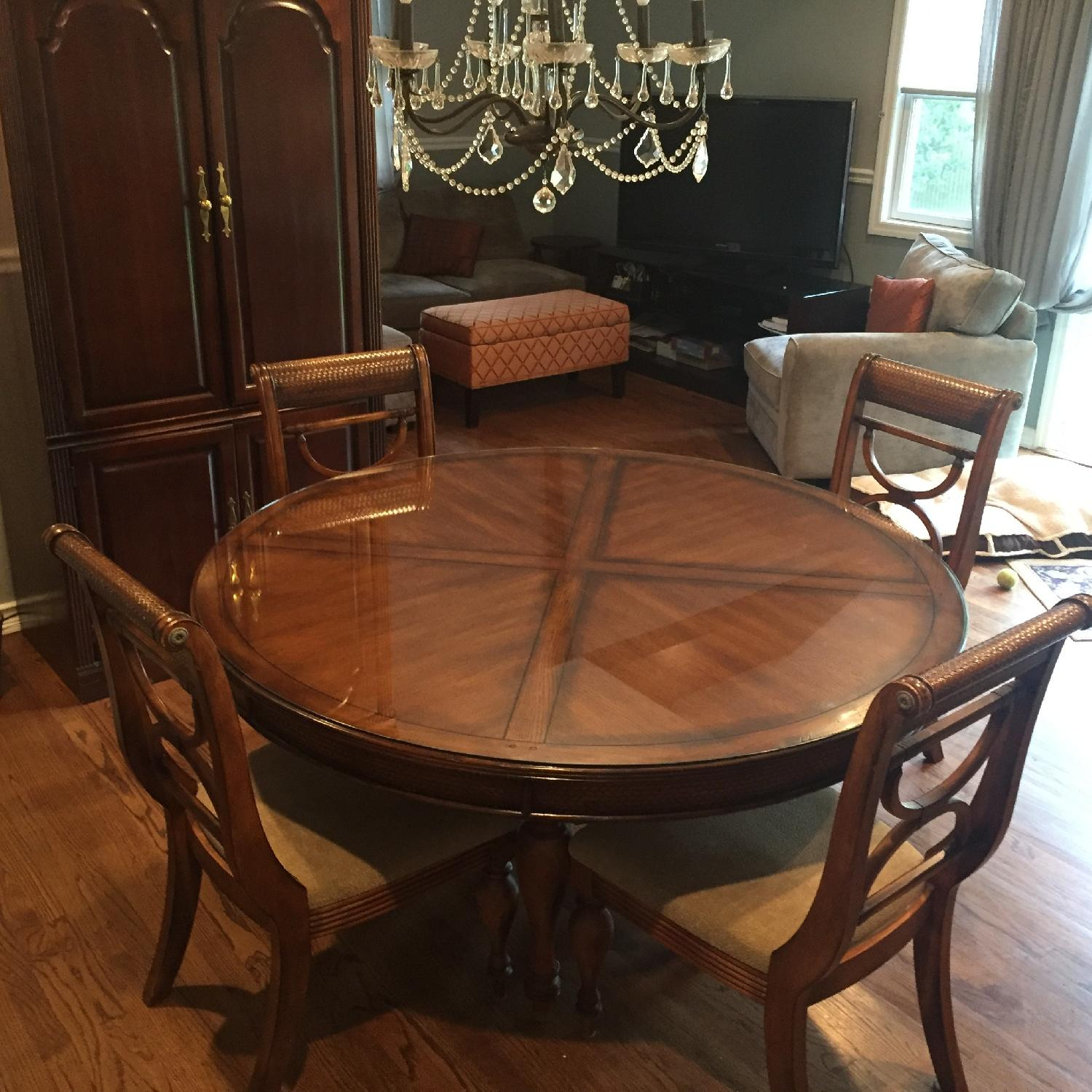 Dining Room Glass Top Round Table w/ 6 Chairs - image-2