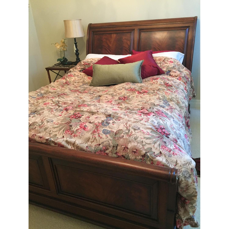 Ethan Allen Queen Size Sleigh Bed - image-6
