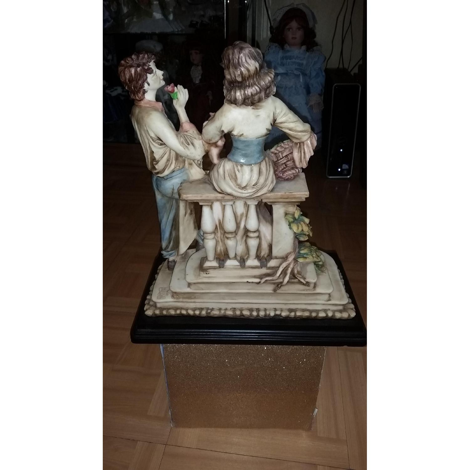 Vintage Serie Valentino by Miriam Couple in Love Sculpture Figurine - image-5