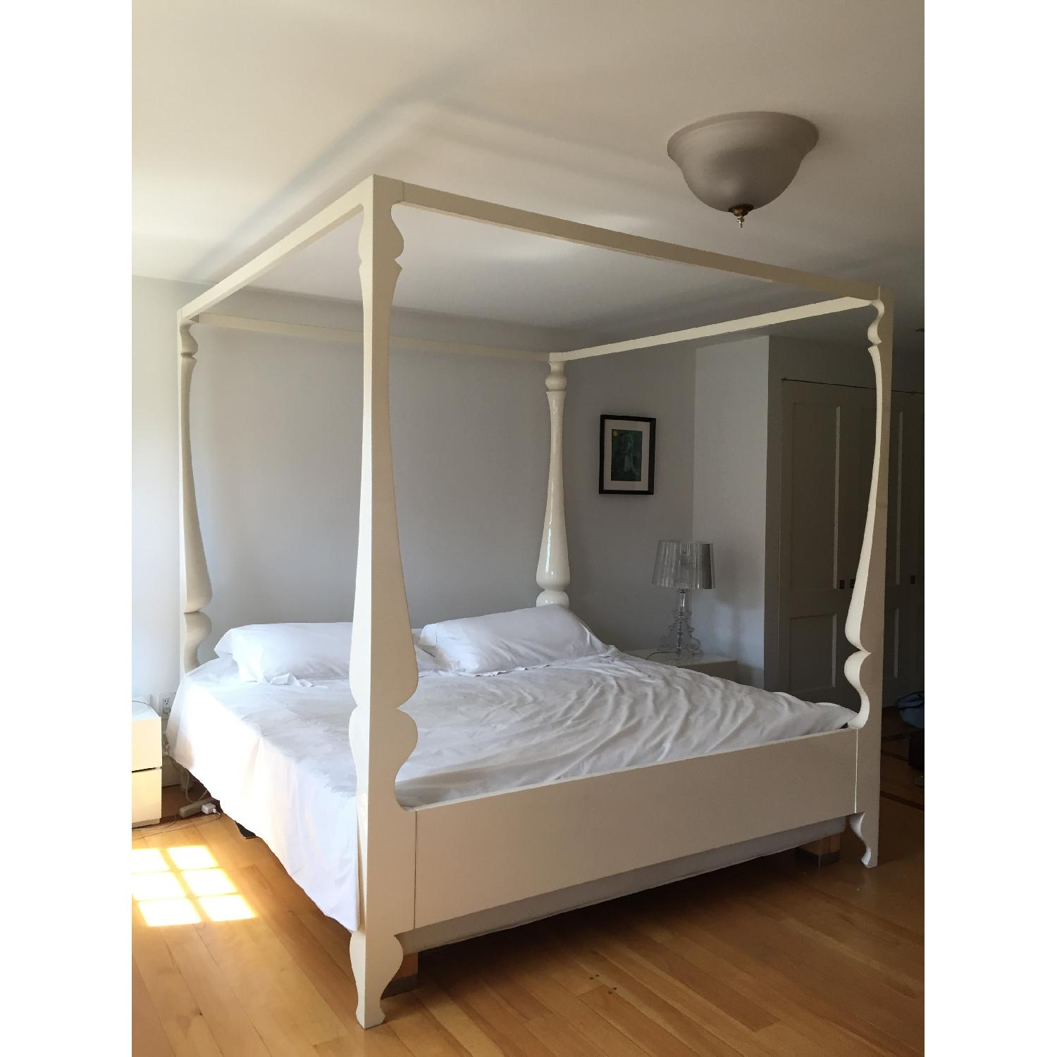 Reeves Design Louis Four Poster King Bed in White - image-2