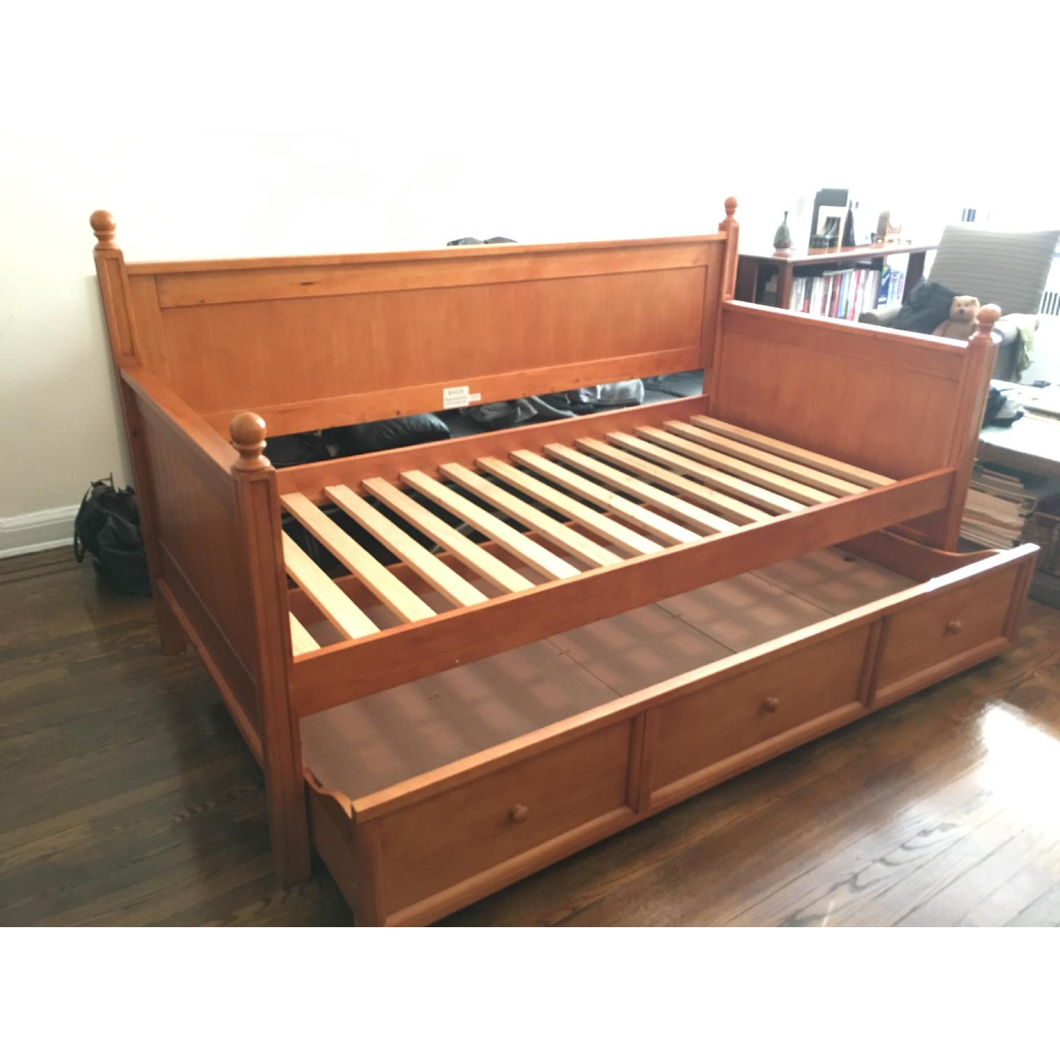 Casey Daybed w/ Trundle - image-3