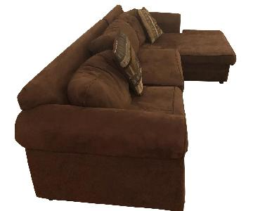 Brown L-Shaped Sectional Sofa w/ Throw Pillows