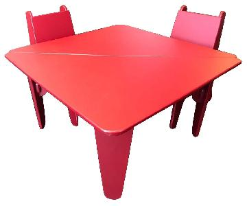 notNeutral Red Kids Table w/ 4 Chairs