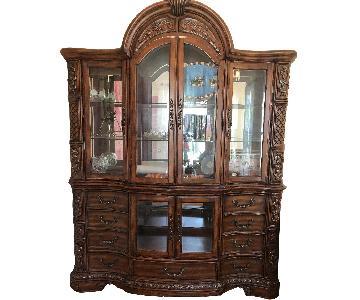 Huffman Koos Curio Cabinet