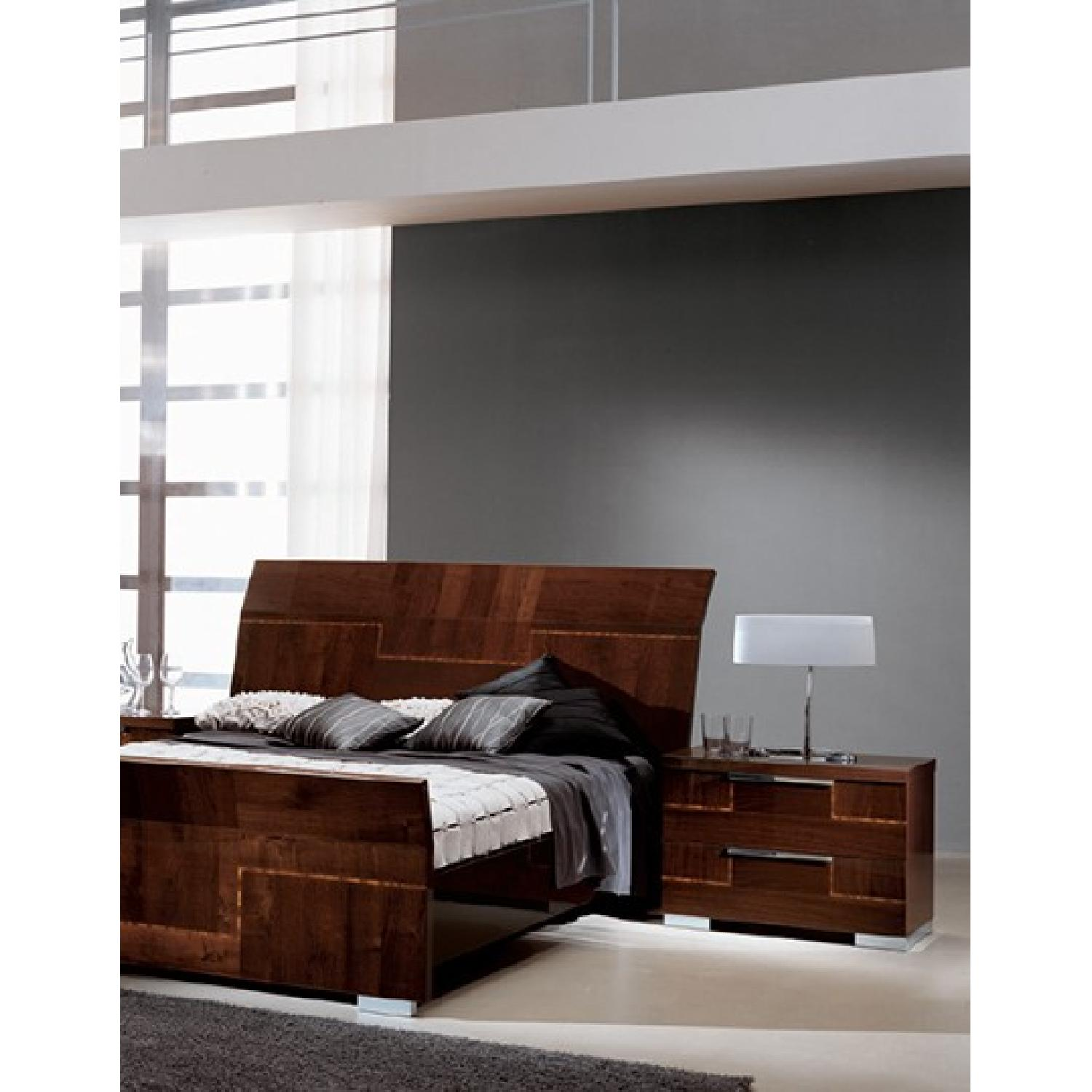 Alf King Low Profile Sleigh Bed + Dresser w/ Mirror + 2 Nighstands - image-6