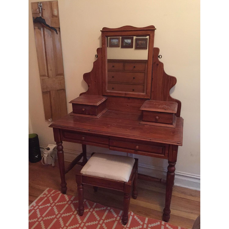 Vanity w/ Seat - image-2