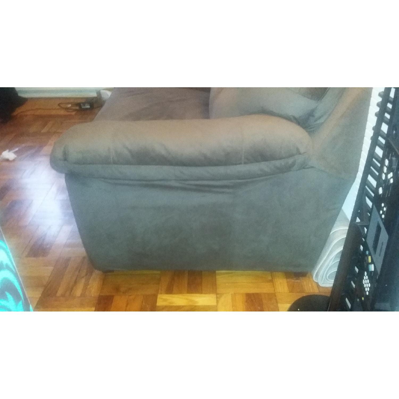 Bob's Queen Size Sleeper Sofa - image-16