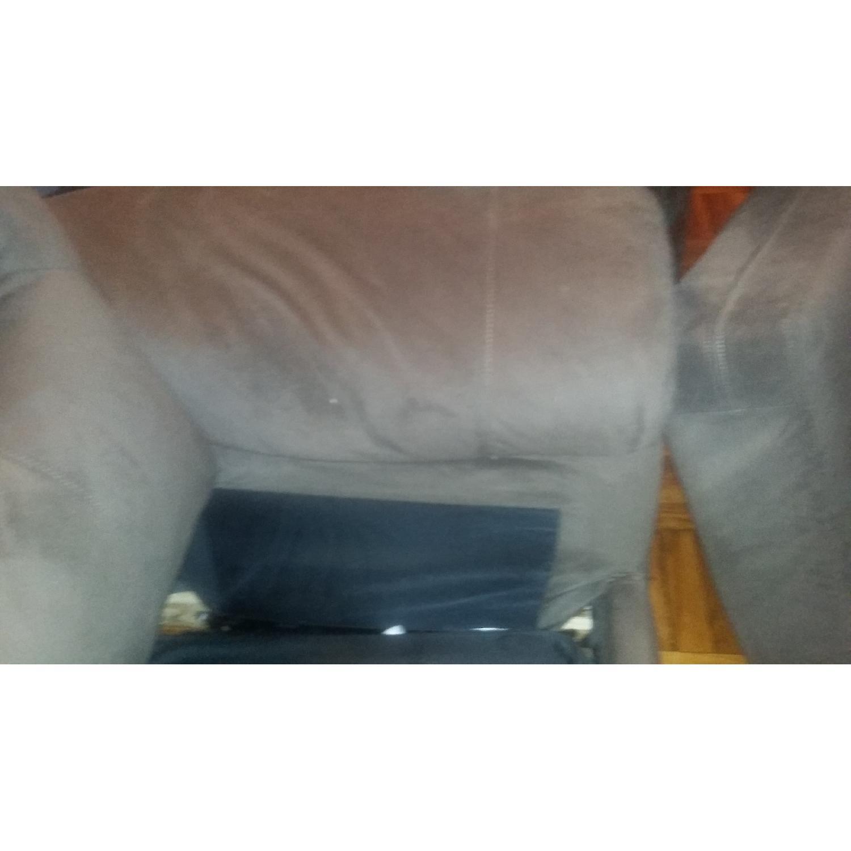 Bob's Queen Size Sleeper Sofa - image-18