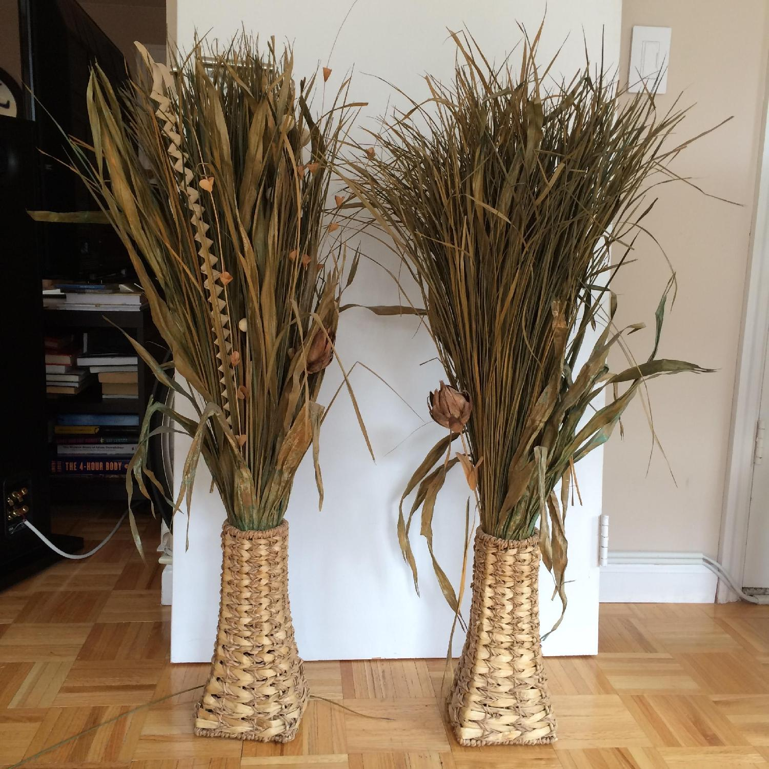 Dried Plant Leaves & Woven Baskets - image-1