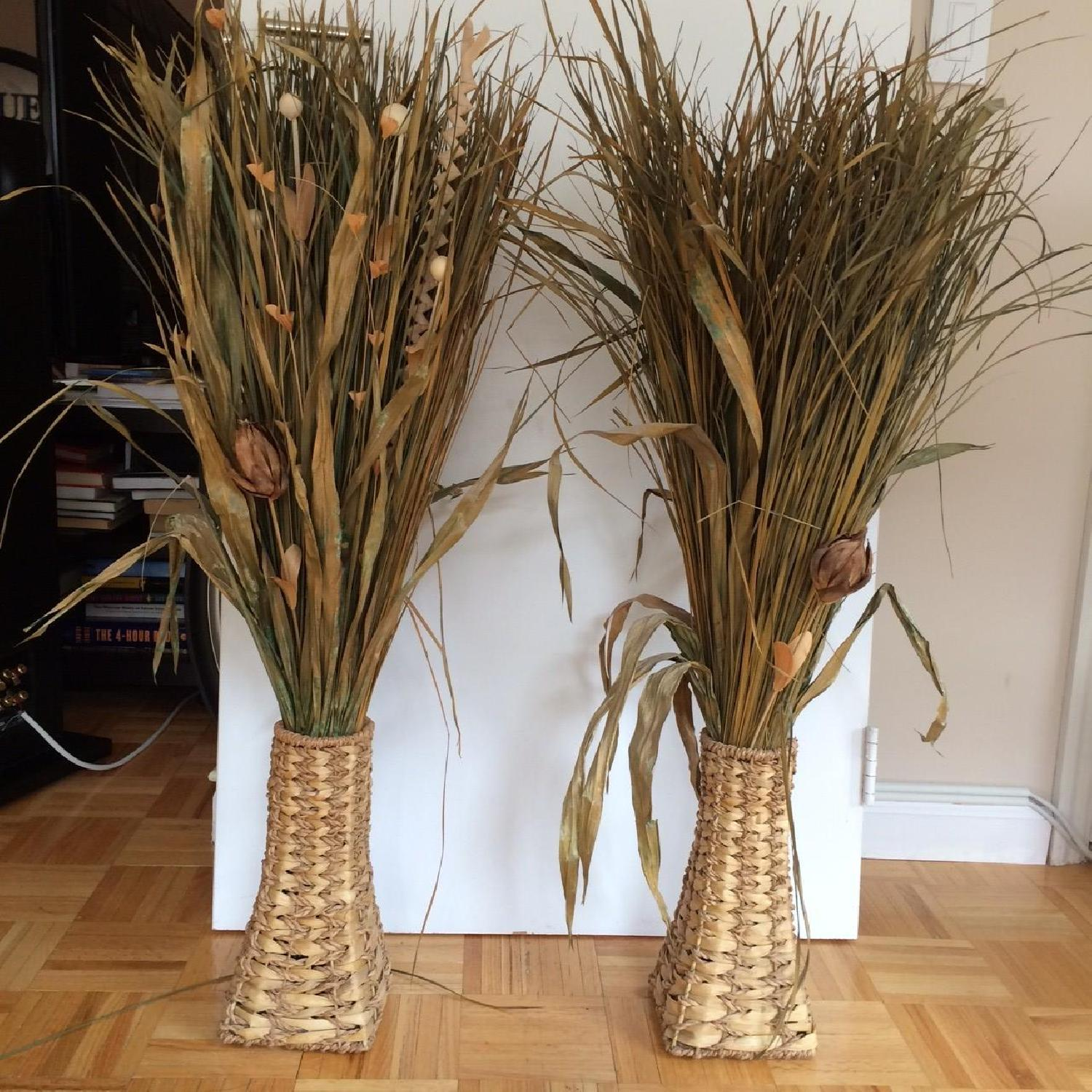 Dried Plant Leaves & Woven Baskets - image-2