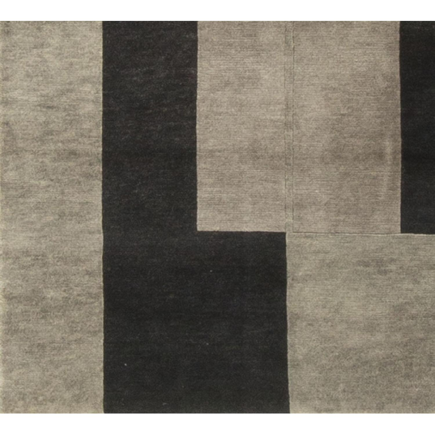 Modern Contemporary Hand Knotted Wool Rug in Black/Grey - image-3