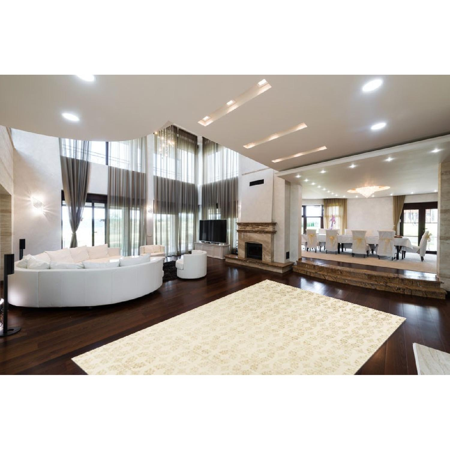 Modern Contemporary Hand Knotted Wool Rug in Ivory - image-1