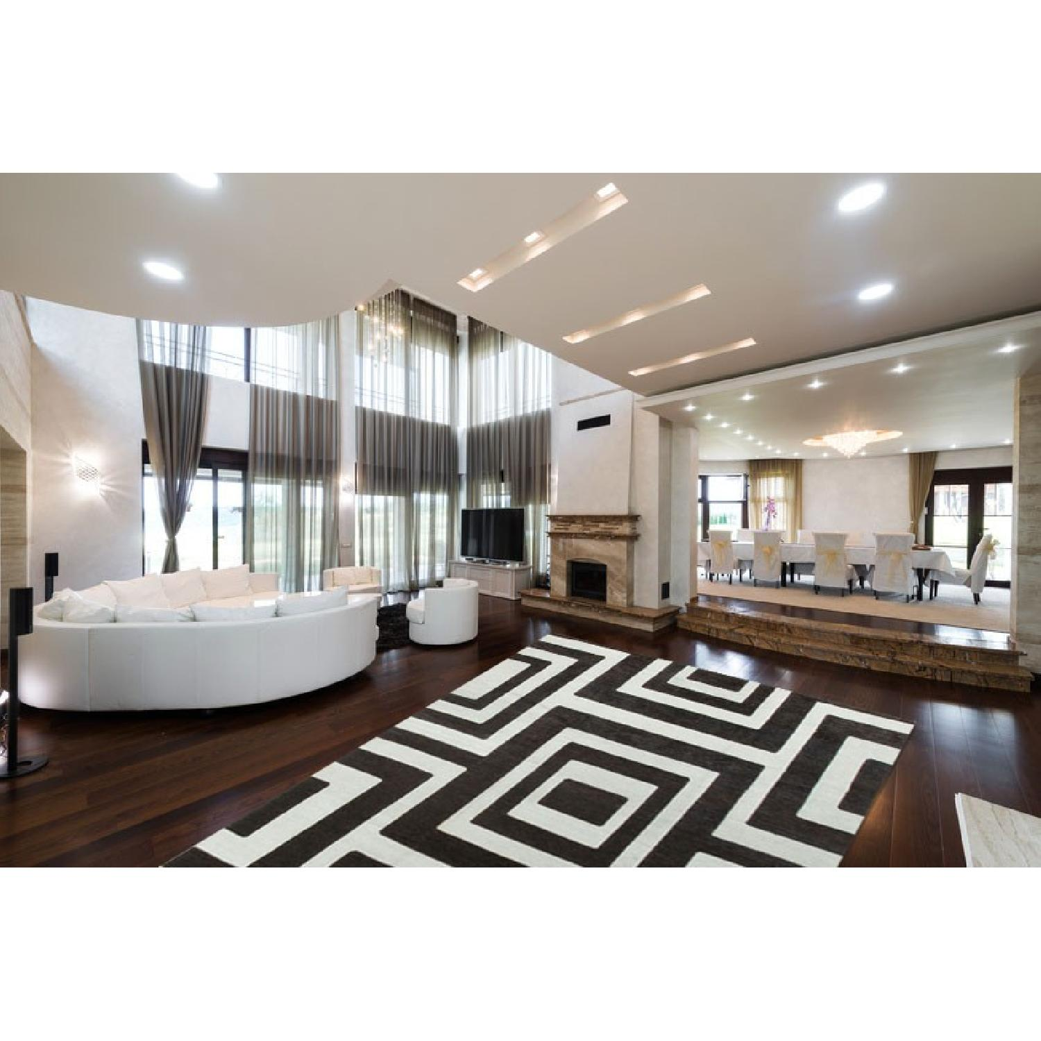 Modern Contemporary Hand Knotted Wool Rug in Black/White - image-1