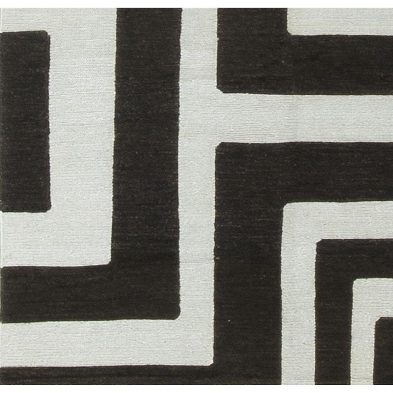 Modern Contemporary Hand Knotted Wool Rug in Black/White - image-3