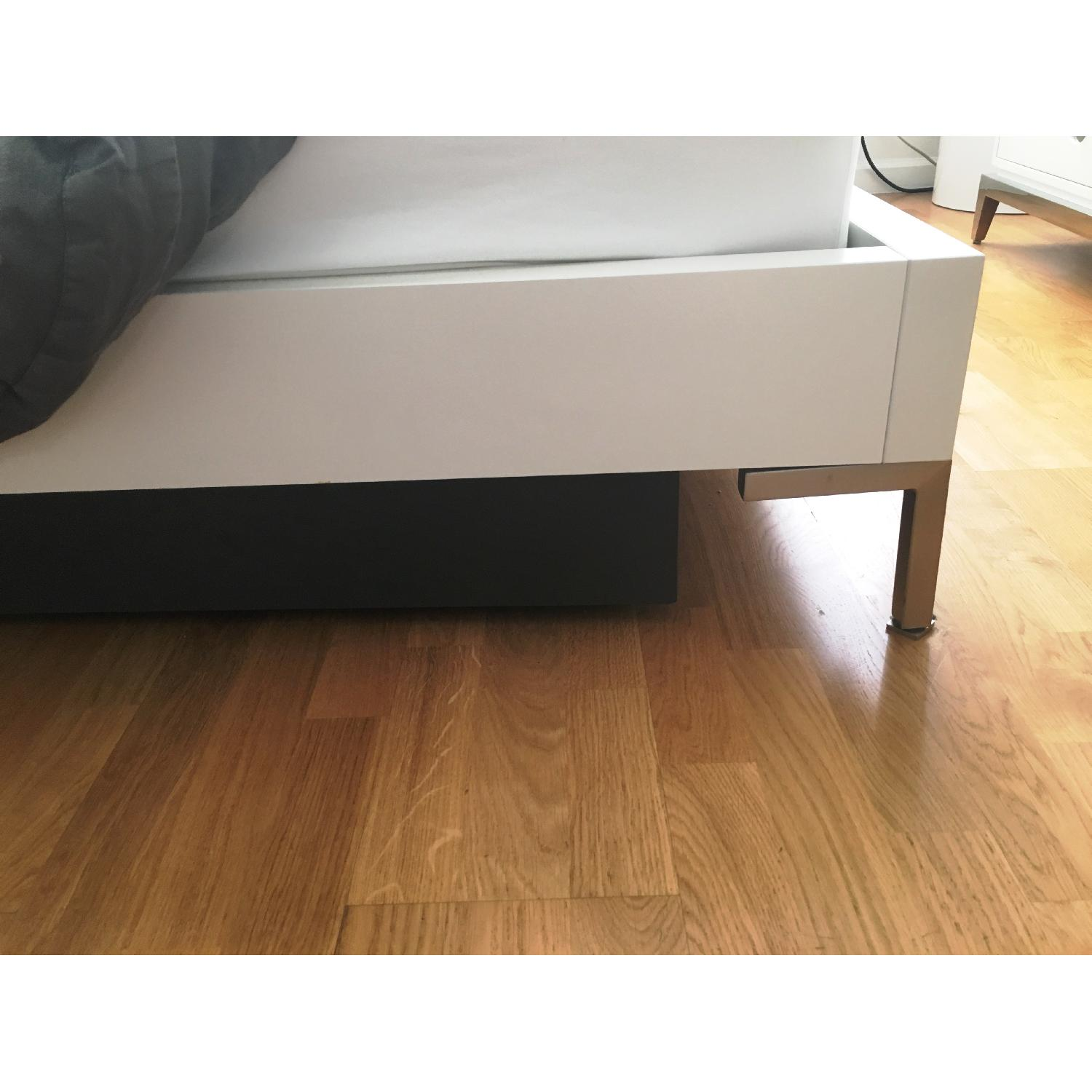 Boconcept White Lacquer Queen Storage Bed - image-6