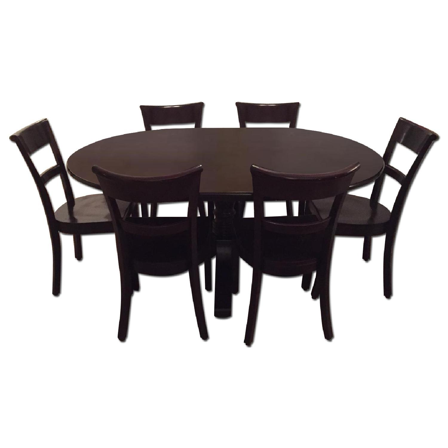 Crate & Barrel Dining Room Table w/ 6 Chairs - image-0