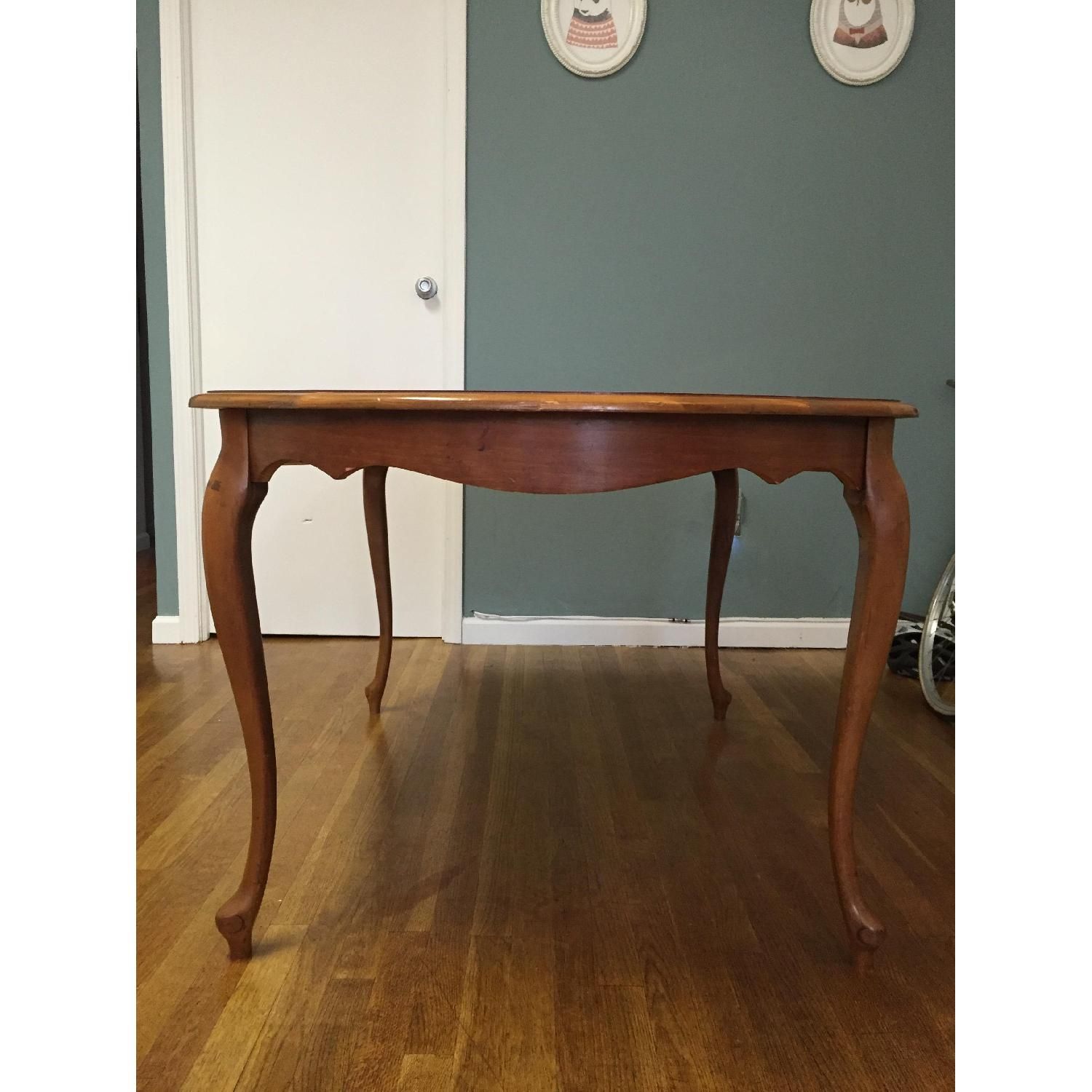 Mid-Century Queen-Anne Leg Dining Table - image-1