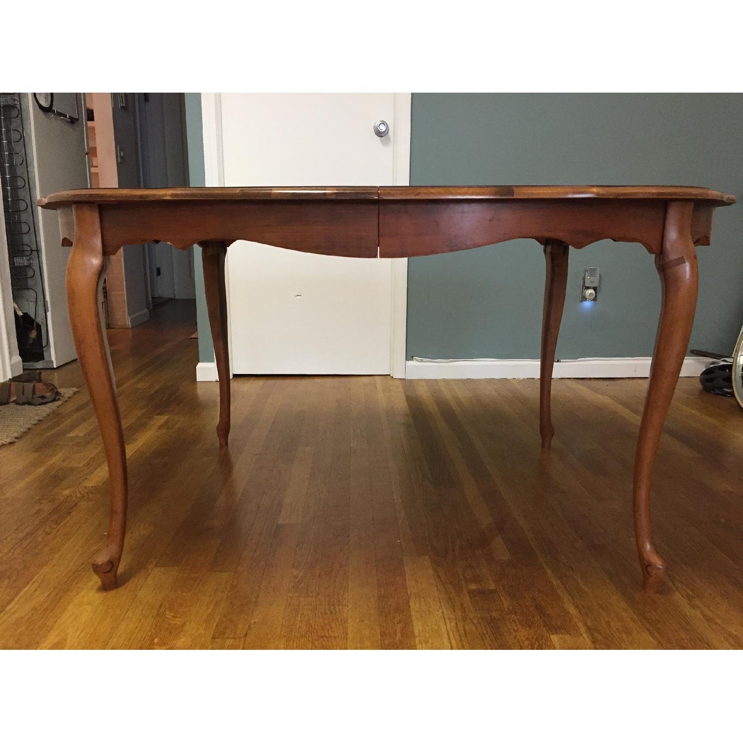 Mid-Century Queen-Anne Leg Dining Table - image-2