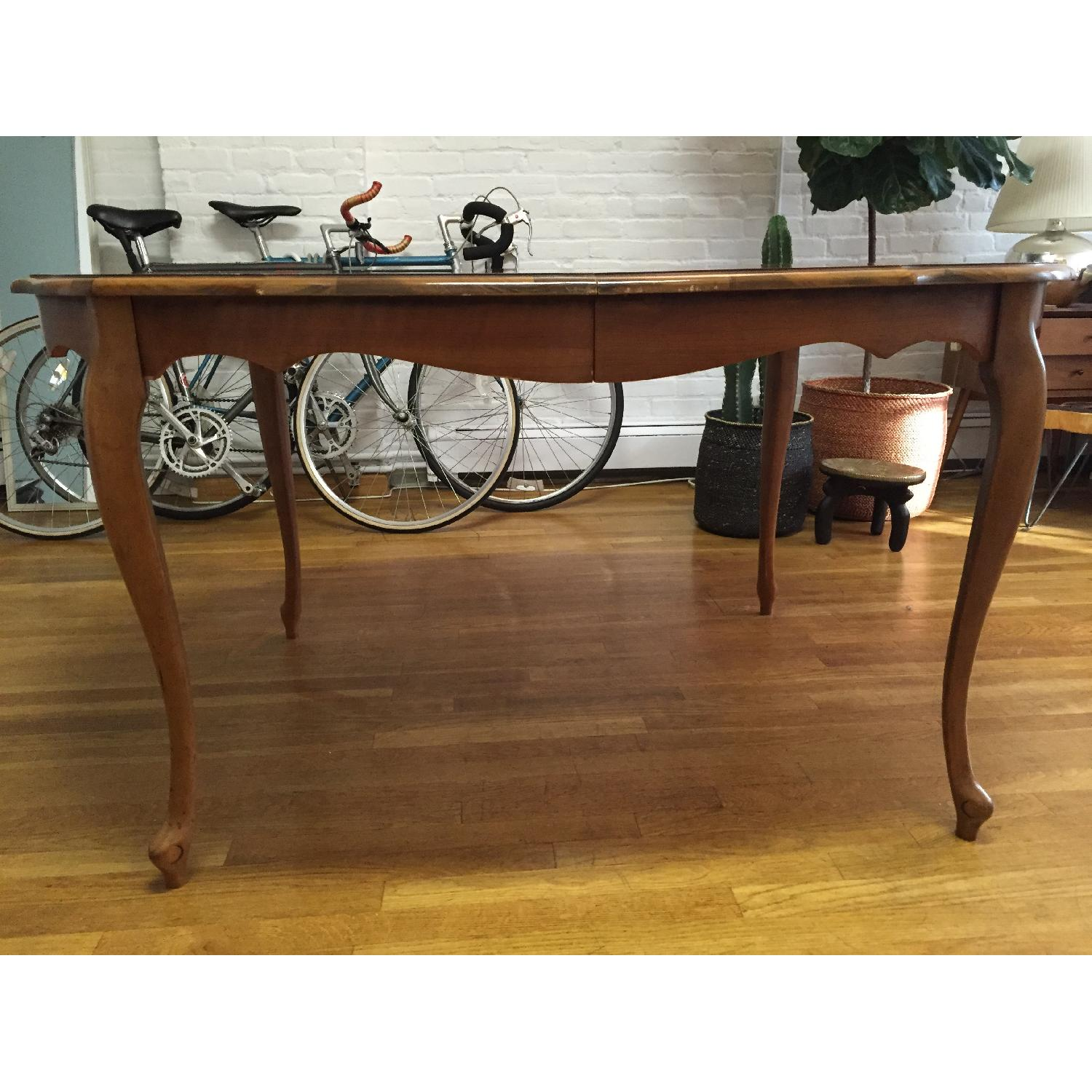 Mid-Century Queen-Anne Leg Dining Table - image-3