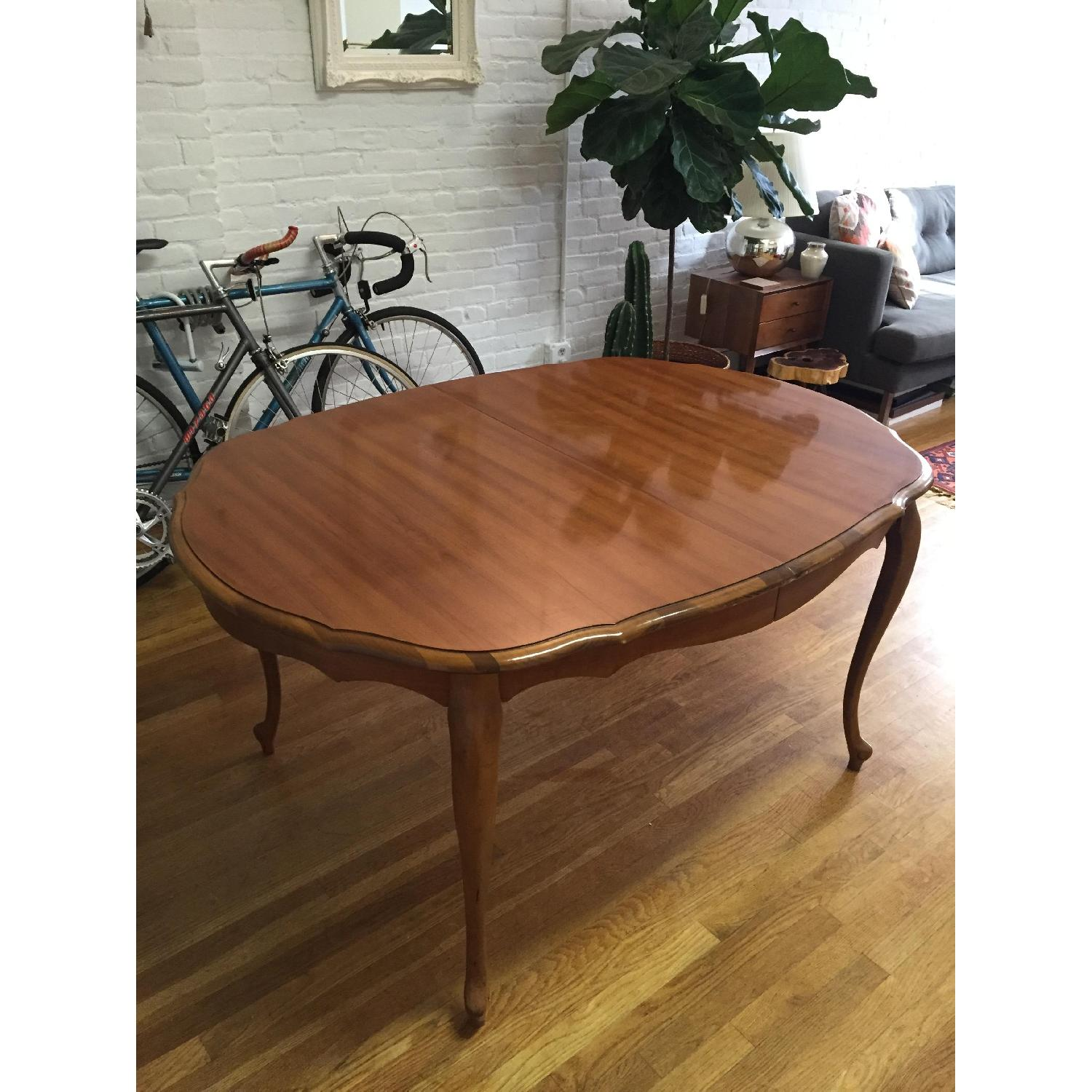 Mid-Century Queen-Anne Leg Dining Table - image-5